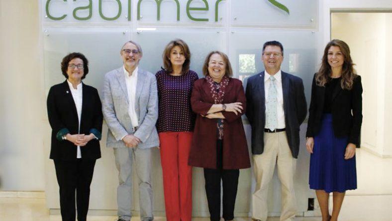 La presidenta del CSIC, Rosa Menéndez, visita CABIMER